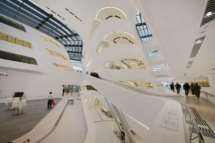 ウィーン経済大学, 図書館と学習センター (2008–2013)ザハ ハディド