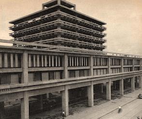 香川県庁舎(1958) 丹下健三