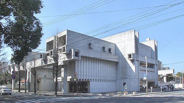 アートプラザ(旧大分県立中央図書館) 磯崎新