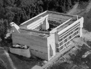 ラ・トゥーレット修道院 建築家 ル・コルビュジエ