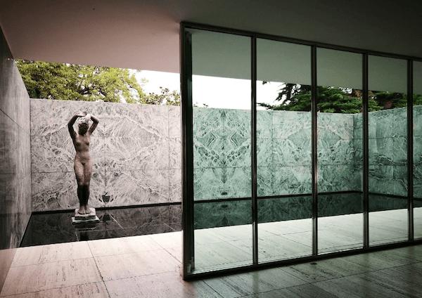 バルセロナ・パビリオン 建築家 ミース・ファン・デル・ローエ
