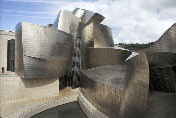 ビルバオ・グッゲンハイム美術館 建築家 フランク・ゲーリー