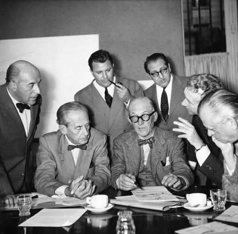Lucio Costa(ブラジル)、Walter Gropius(アメリカ合衆国)、Le Corbusier(フランス)、Sven Markelius(スウェーデン)、Ernesto Nathan Rogers(イタリア)