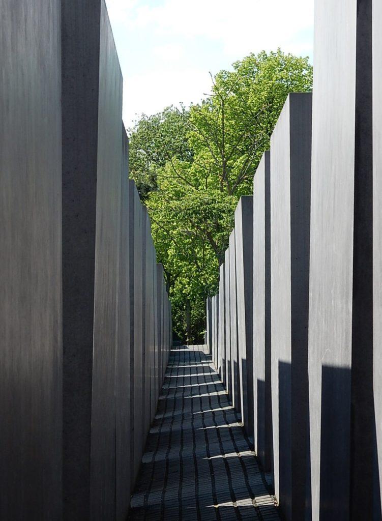 2004 虐殺されたヨーロッパのユダヤ人のための記念碑 建築家 ピーター・アイゼンマン