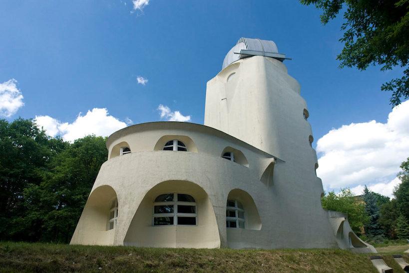 アインシュタイン・タワー 建築家 エーリヒ・メンデルゾーン