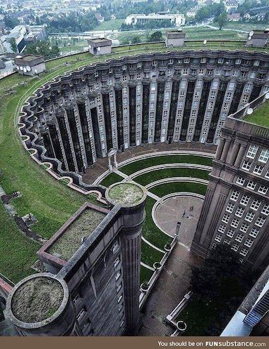 1983 Les Espaces d'Abraxas 建築家 リカルド・ボフィル