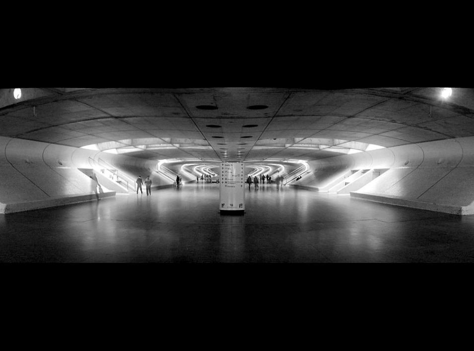 1998 オリエンテ駅 建築家 サンティアゴ・カラトラバ