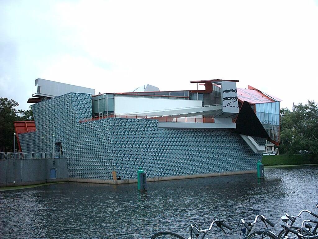 1994 フローニンゲン美術館 建築設計事務所 コープ・ヒンメルブラウ