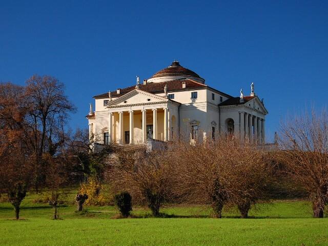 1566起工 ヴィラ・アルメリコ・カプラ(ラ・ロトンダ) 建築家 アンドレア・パラディオ