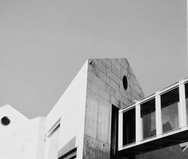 2002 ガリシア海博物館(Museo del Mar de Galicia)/アルド・ロッシと共同設計 建築家 セザール・ポルテラ