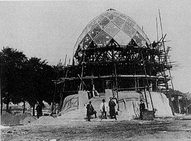 1914 ガラス・パヴィリオン  建築家 ブルーノ・タウト