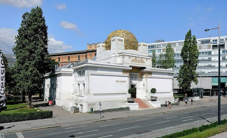 オーストリア観光 5選:セセッション館(ヨゼフ・マリア・オルブリッヒ設計)